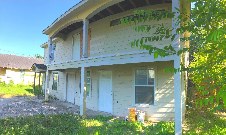 5 units with Major Renovations at 2110 Trenton Rd!