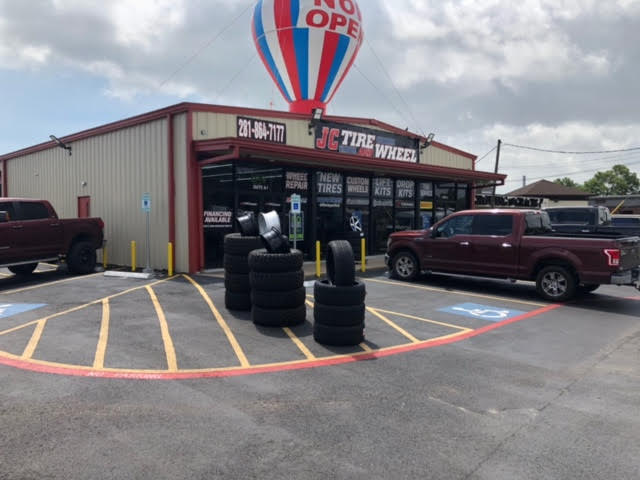 Commercial: 5154 E Sam Houston Parkway Houston TX 77015